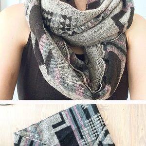 Circle infinity scarf